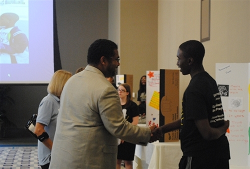 Dr. Anthony Brown networking with Sizemore pipeline students.