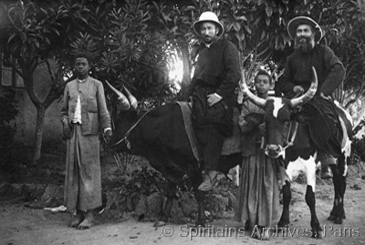 Cubango, Angola, early 1900s. Local transport.