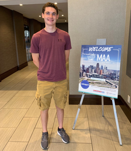 Student Ryan Cecil at MathFest 2019