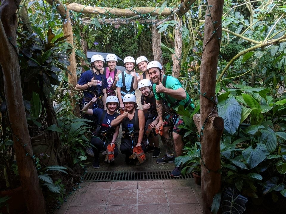 Group of students in Costa Rican jungle Spring Break 2020